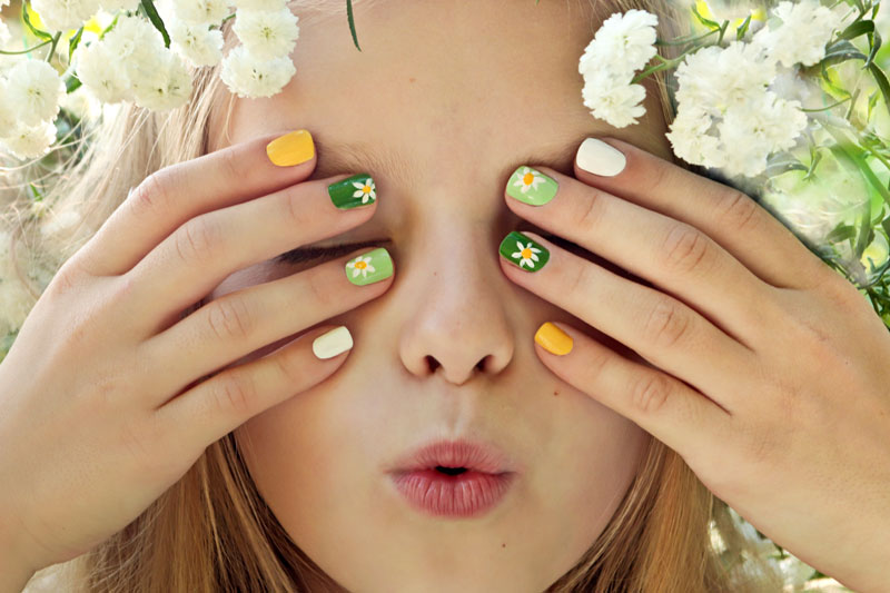 Gallery-Services-kids-manicure